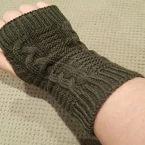 New dark gray knit fingerless gloves mittens